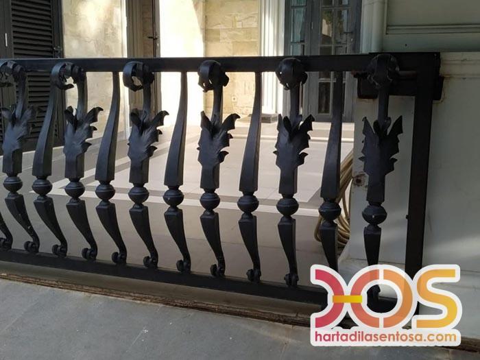 Railing Balkon Besi Tempa Klasik